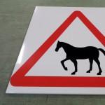metallist silt, hoiatussilt, liiklusmärk, tsinkplekk, metallist reklaamsilt