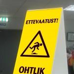 Kokkukäiv hoiatussilt, bipist silt, hoiatussilt, kolmnurkne silt, plastikust silt, põrandasilt, libe põrand