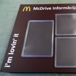 Tiedotuspiste, mainoskyltti, McDrive, McDonalds